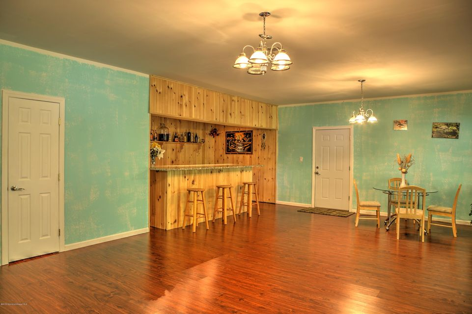 Additional photo for property listing at 582 Reed Road  Jackson, New Jersey 08527 United States