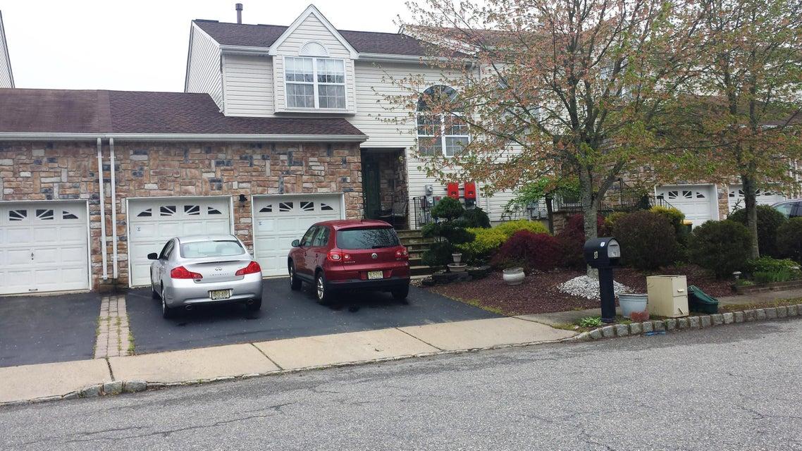 Casa Unifamiliar por un Alquiler en 28 Kinglet Avenue Marlboro, Nueva Jersey 07746 Estados Unidos