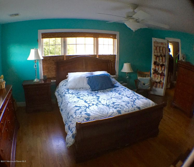 Additional photo for property listing at 96 Church Street  Manasquan, New Jersey 08736 États-Unis