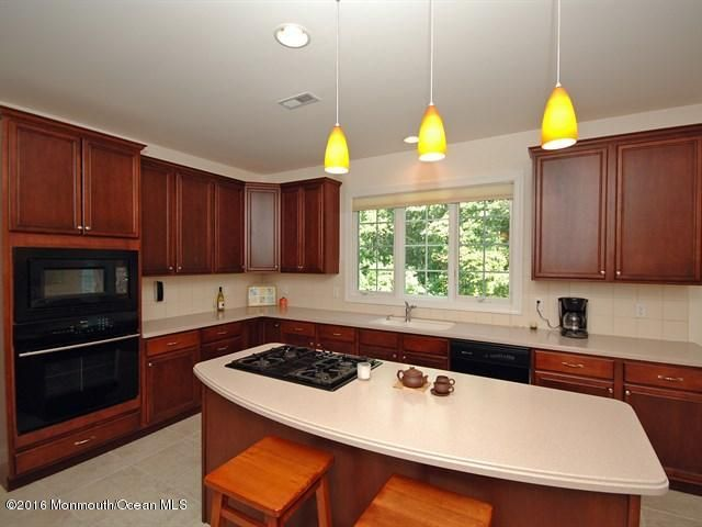 Additional photo for property listing at 1 Rockingham Court  Manalapan, Nueva Jersey 07726 Estados Unidos