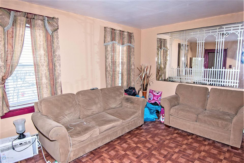 Additional photo for property listing at 96 Highfield Avenue  Matawan, Nueva Jersey 07747 Estados Unidos