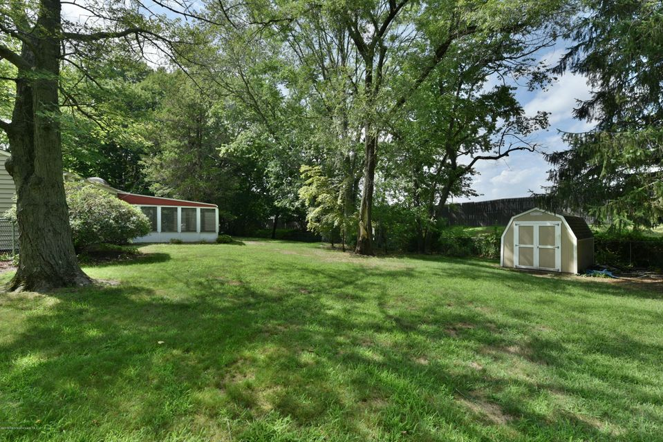 Additional photo for property listing at 24 Peach Blossom Lane  Middletown, New Jersey 07748 États-Unis