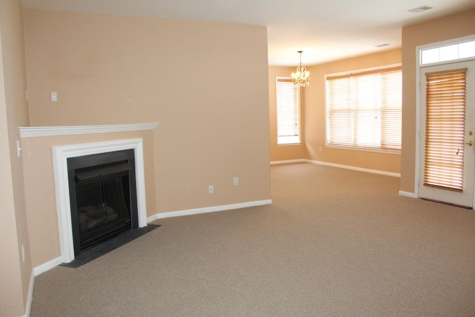Additional photo for property listing at 335 Saint Andrews Place  Manalapan, New Jersey 07726 États-Unis