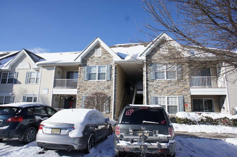 Additional photo for property listing at 216 Wedgewood Circle  Belford, New Jersey 07718 États-Unis