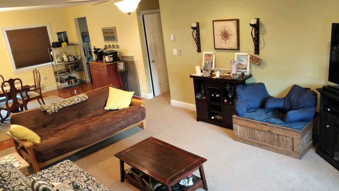 共管式独立产权公寓 为 销售 在 77 White Street 伊顿敦, 新泽西州 07724 美国