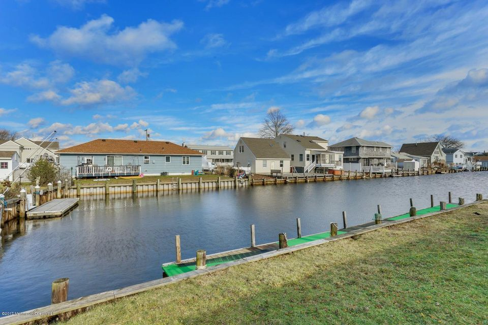 Additional photo for property listing at 203 Redwood Drive  Bayville, New Jersey 08721 United States
