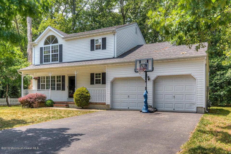 独户住宅 为 销售 在 956 Alden Drive 汤姆斯河, 新泽西州 08753 美国