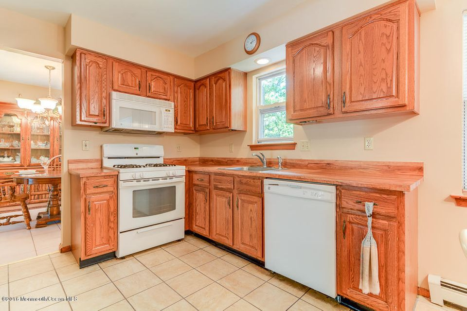 Additional photo for property listing at 956 Alden Drive  Toms River, New Jersey 08753 United States