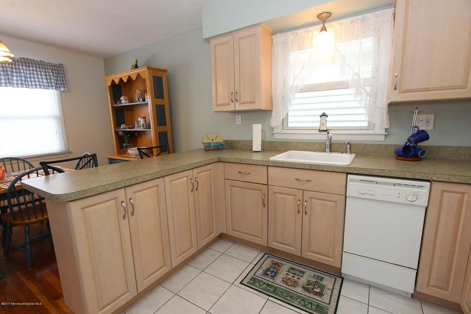 Additional photo for property listing at 204 Bryn Mawr Avenue  Lavallette, New Jersey 08735 United States