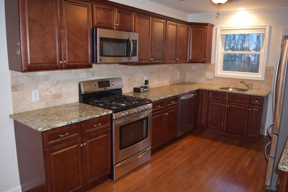 Additional photo for property listing at 35 Willow Street  Middletown, Nueva Jersey 07748 Estados Unidos