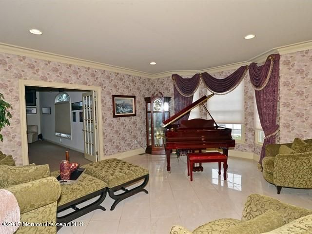 Additional photo for property listing at 121 Laredo Drive  万宝路, 新泽西州 07746 美国