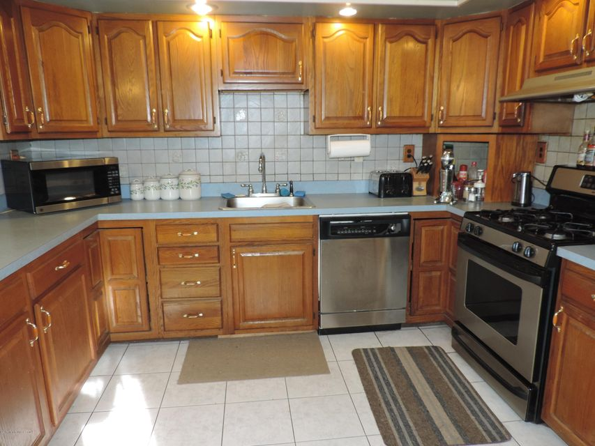 Additional photo for property listing at 460 Burke Road  杰克逊, 新泽西州 08527 美国