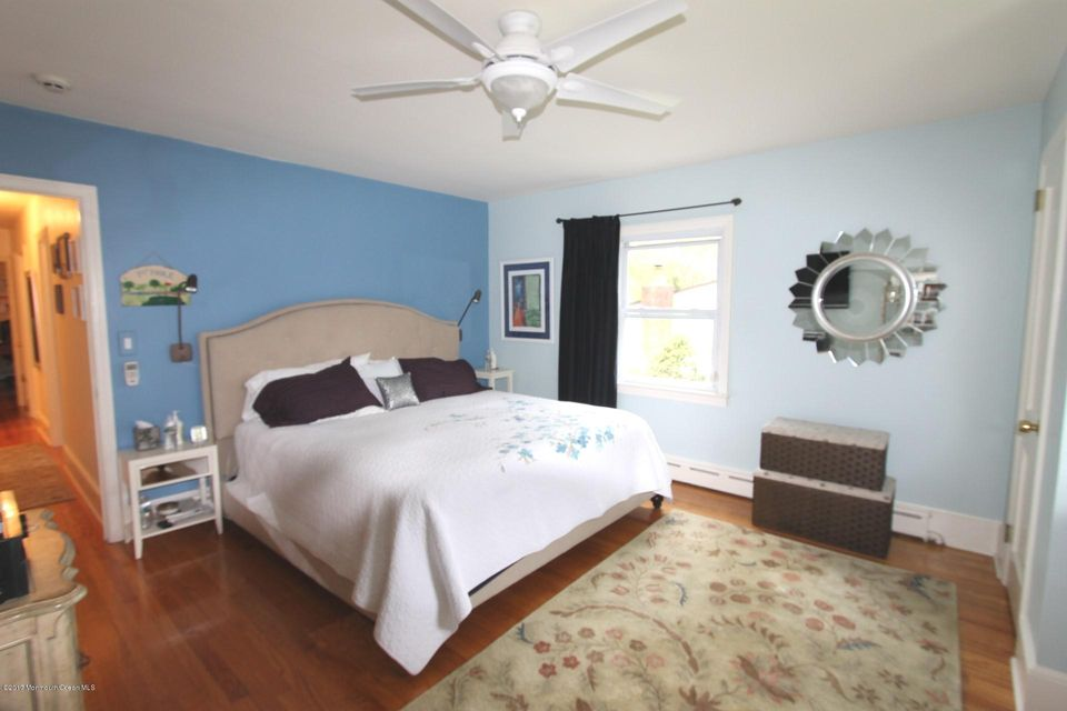 Additional photo for property listing at 380 Wall Street  Eatontown, New Jersey 07724 United States