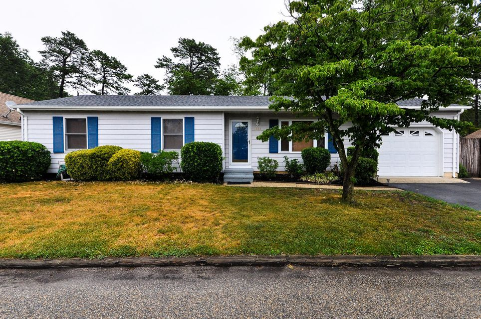 Additional photo for property listing at 1225 Mizzen Avenue  Beachwood, New Jersey 08722 États-Unis