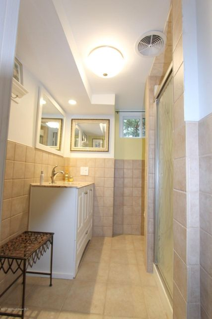 Additional photo for property listing at 380 Wall Street  伊顿敦, 新泽西州 07724 美国