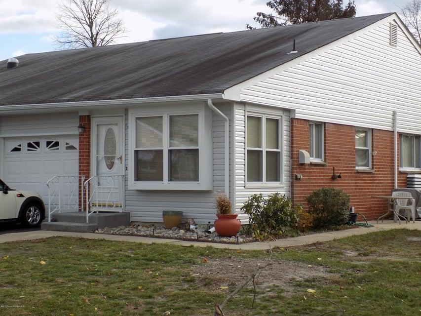 Maison unifamiliale pour l Vente à 4b Yorktowne Parkway Whiting, New Jersey 08759 États-Unis