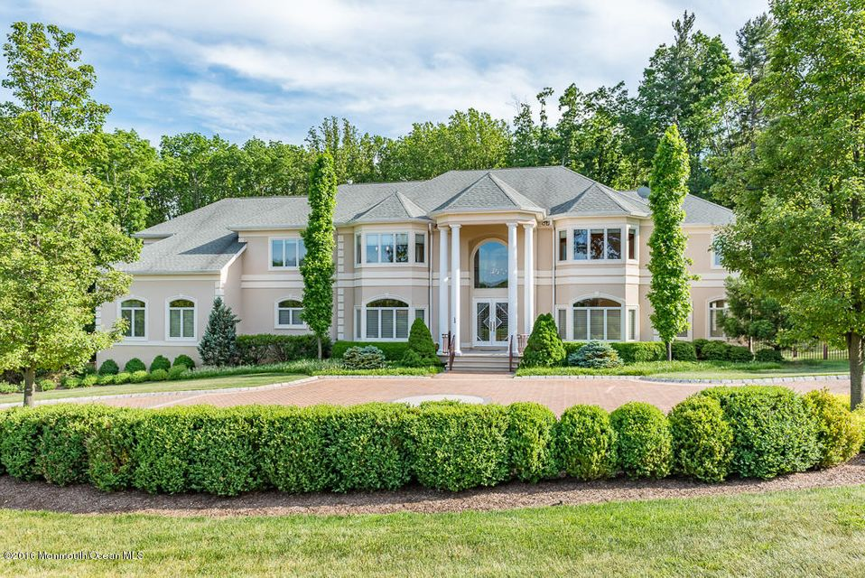 Maison unifamiliale pour l Vente à 500 Farm Bridge Road Marlboro, New Jersey 07746 États-Unis