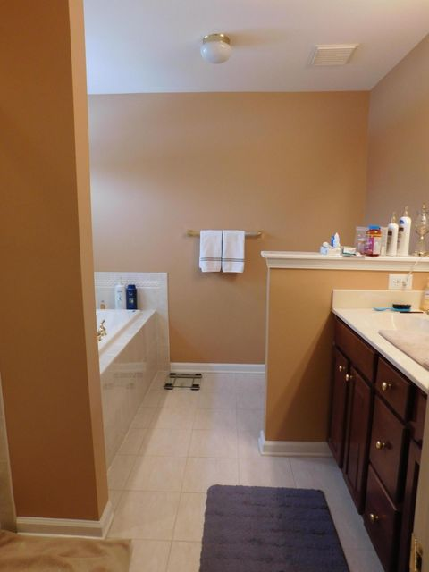 Additional photo for property listing at 33 Amber Drive  Old Bridge, Nueva Jersey 08857 Estados Unidos