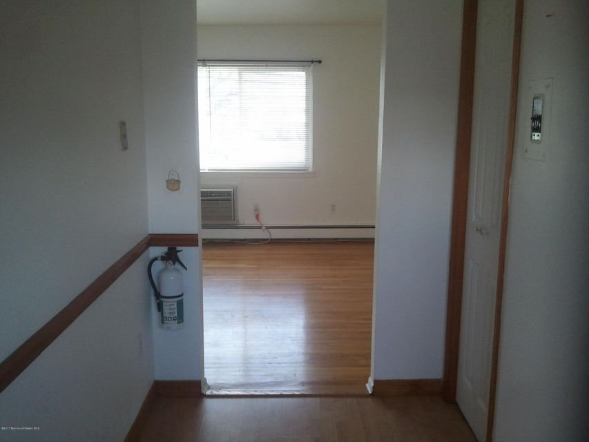 Additional photo for property listing at 167b Wyckoff Road  Eatontown, Nueva Jersey 07724 Estados Unidos
