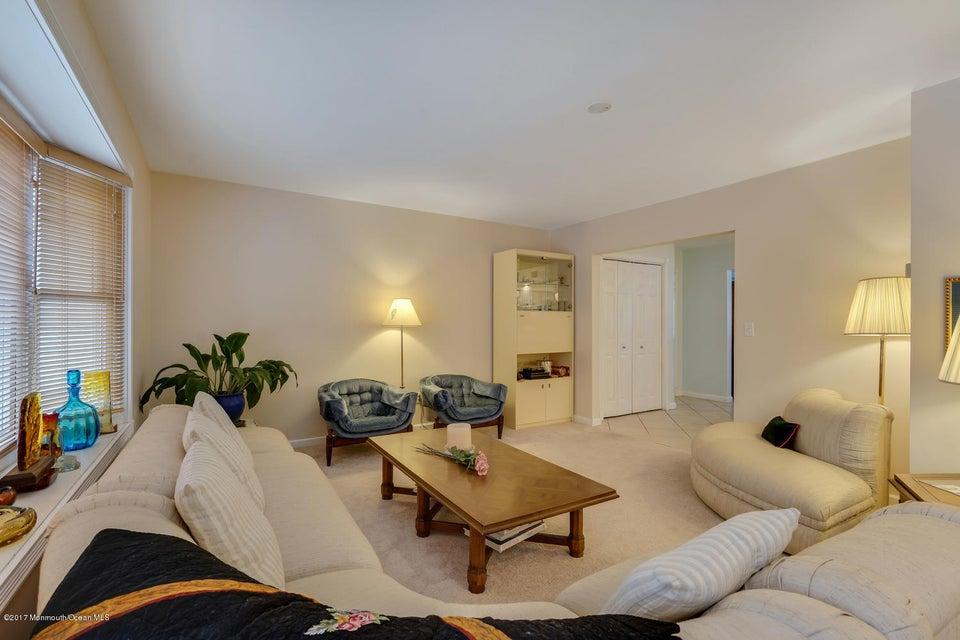 Additional photo for property listing at 800 Neptune Avenue  Beachwood, 新泽西州 08722 美国