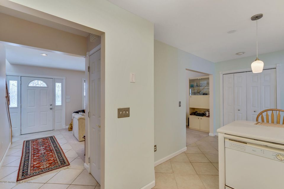 Additional photo for property listing at 800 Neptune Avenue  Beachwood, Nueva Jersey 08722 Estados Unidos