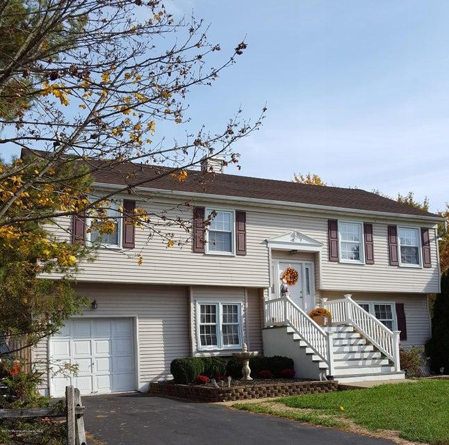 独户住宅 为 销售 在 125 Sea Bird Lane 贝尔福德, 07718 美国