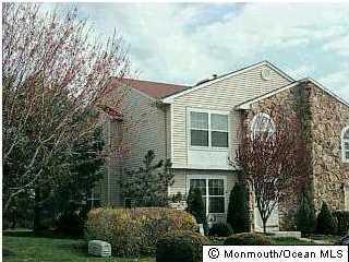 共管式独立产权公寓 为 出租 在 28 Karen Drive 廷顿瀑布市, 新泽西州 07753 美国