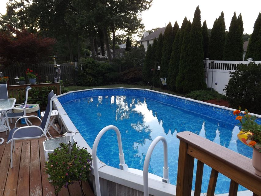 Additional photo for property listing at 950 Raleigh Drive  Toms River, New Jersey 08753 United States