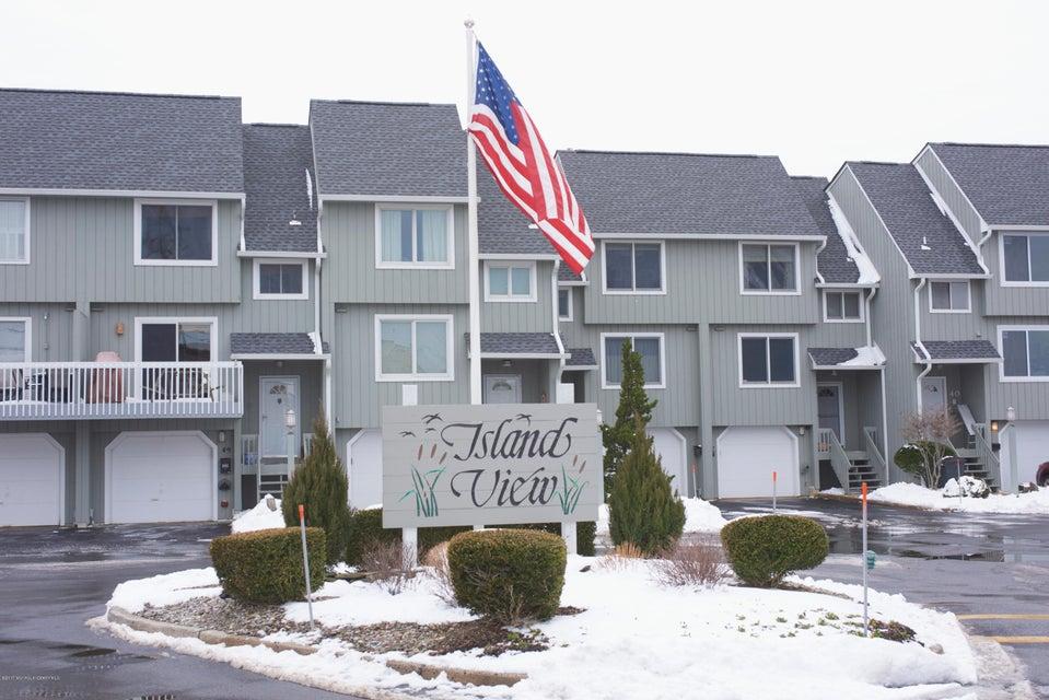 共管式独立产权公寓 为 销售 在 5 Island View Way Sea Bright, 07760 美国