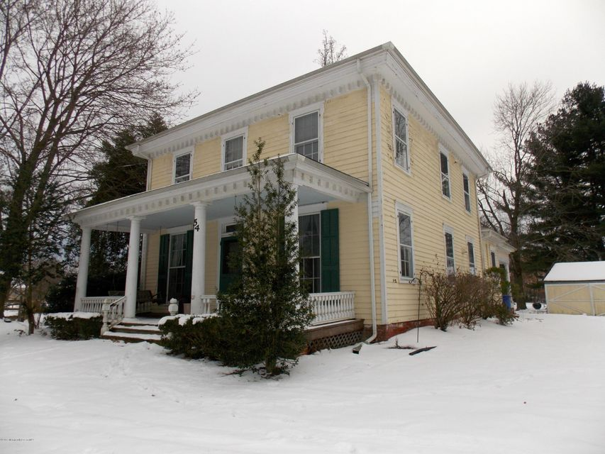 Maison unifamiliale pour l Vente à 54 Chesterfield Jacobstow Road North Hanover, New Jersey 08562 États-Unis