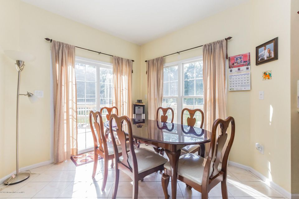 Additional photo for property listing at 2302 Autumn Drive  汤姆斯河, 新泽西州 08755 美国
