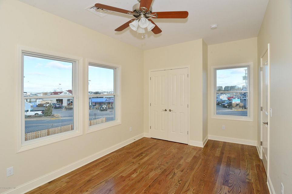 Additional photo for property listing at 50 Channel Drive  Point Pleasant Beach, New Jersey 08742 United States
