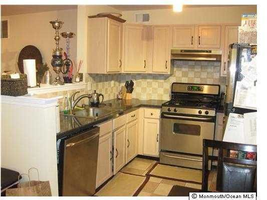 Condominium for Rent at 25 Woodlake Drive Parlin, New Jersey 08859 United States