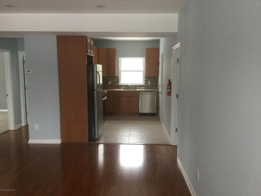 Additional photo for property listing at 2 Park Avenue  英语城, 新泽西州 07726 美国