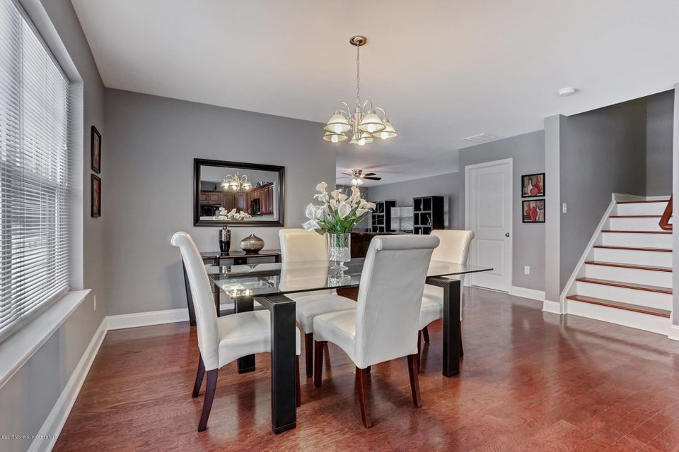 Additional photo for property listing at 10 Wiley Way  Toms River, New Jersey 08757 États-Unis