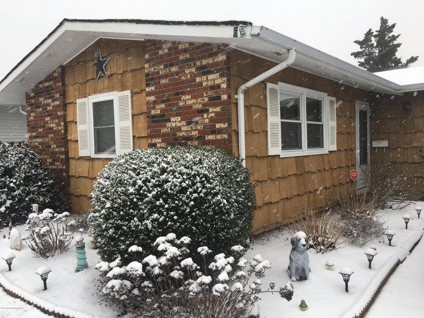 Casa Unifamiliar por un Alquiler en 6 Patmore Road Brick, Nueva Jersey 08724 Estados Unidos