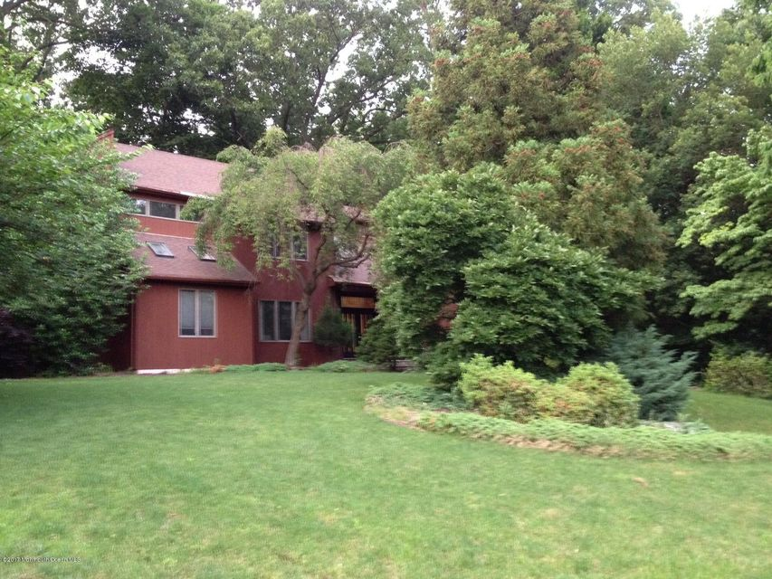 Additional photo for property listing at 13 Ashley Drive  Holmdel, New Jersey 07733 États-Unis