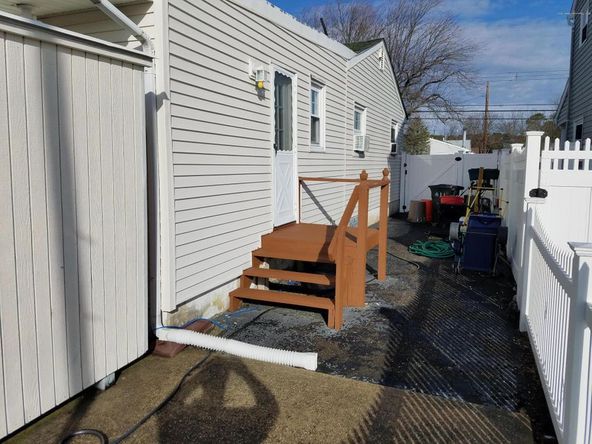 Additional photo for property listing at 611 Laurel Boulevard  Lanoka Harbor, New Jersey 08734 United States