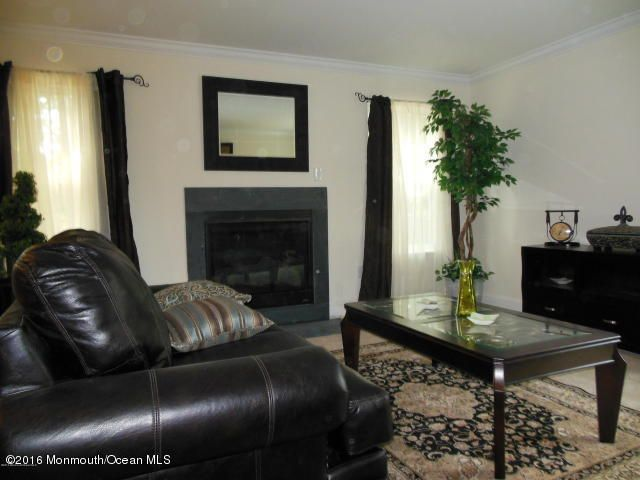 Additional photo for property listing at 3 Julies Way  Howell, New Jersey 07731 United States