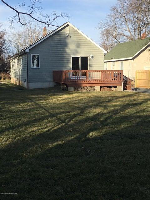Additional photo for property listing at 30 Thomas Avenue  Shrewsbury, New Jersey 07702 États-Unis