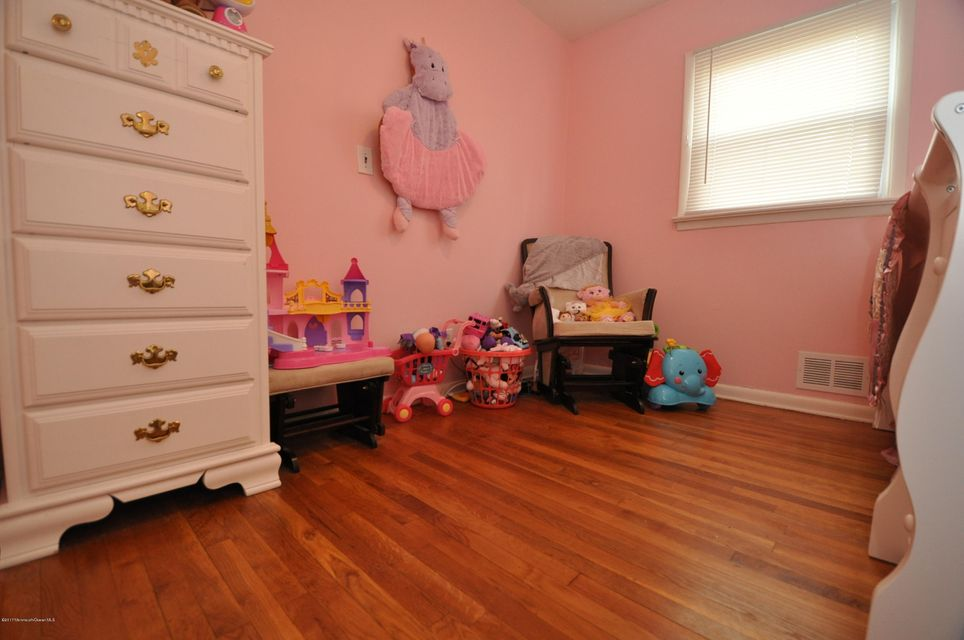 Additional photo for property listing at 20 Frances Drive  Freehold, New Jersey 07728 États-Unis