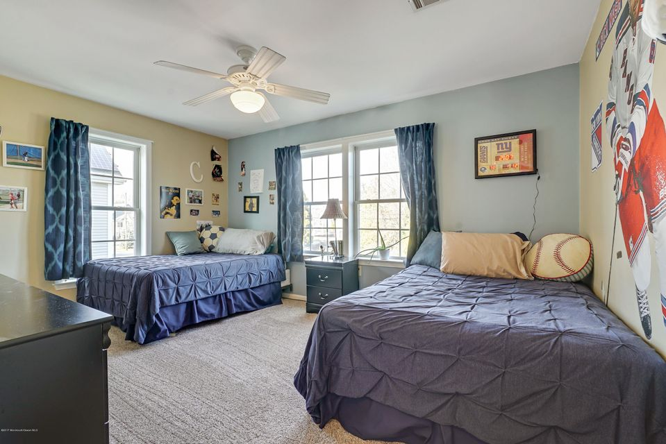 Additional photo for property listing at 605 Harris Avenue  Brielle, New Jersey 08730 États-Unis