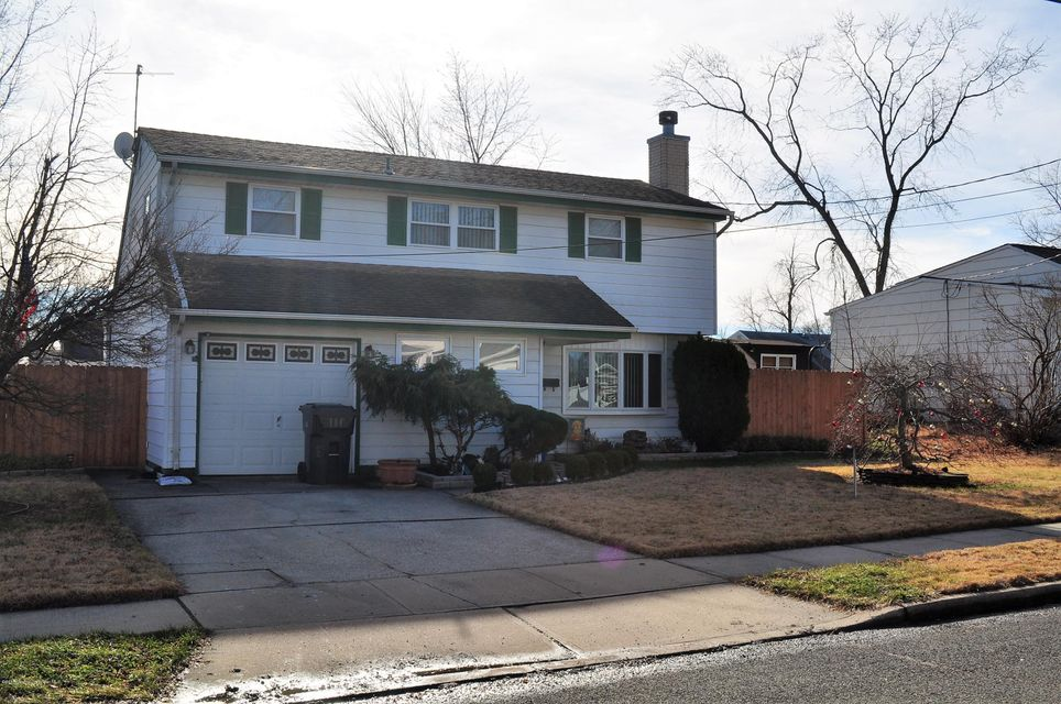 Single Family Home for Sale at 17 Wendy Drive Old Bridge, New Jersey 08857 United States