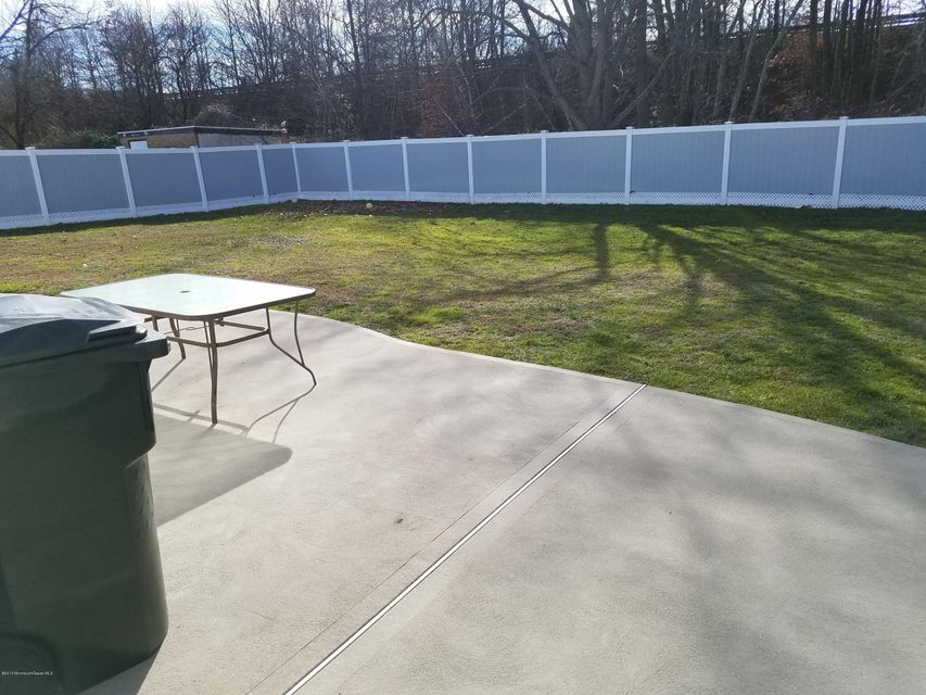 Additional photo for property listing at 38 Parkview Drive  Hazlet, Nueva Jersey 07730 Estados Unidos