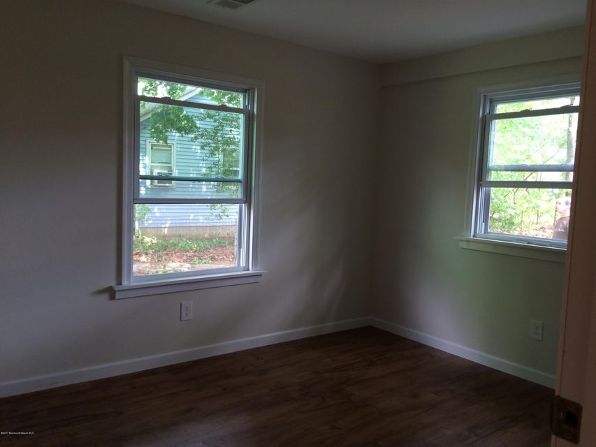 Additional photo for property listing at 1116 2nd Avenue  Manchester, New Jersey 08759 États-Unis