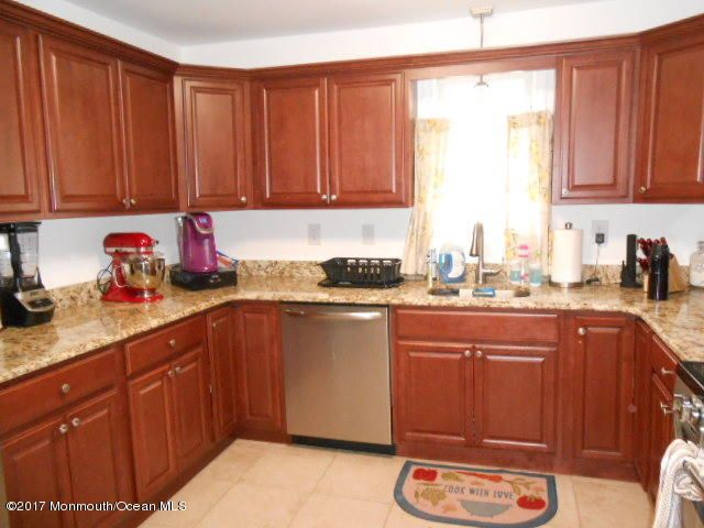 Additional photo for property listing at 293 Furman Boulevard  Keyport, New Jersey 07735 États-Unis