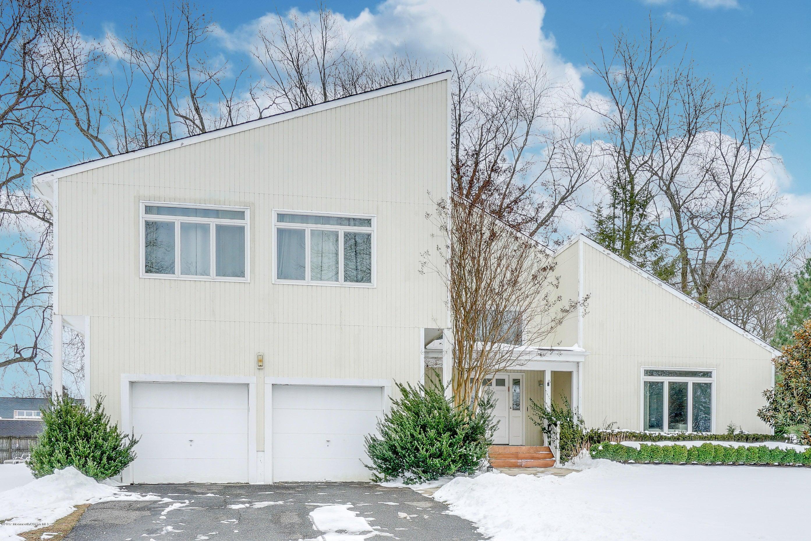 Casa Unifamiliar por un Venta en 1 Harvard Court Oakhurst, Nueva Jersey 07755 Estados Unidos