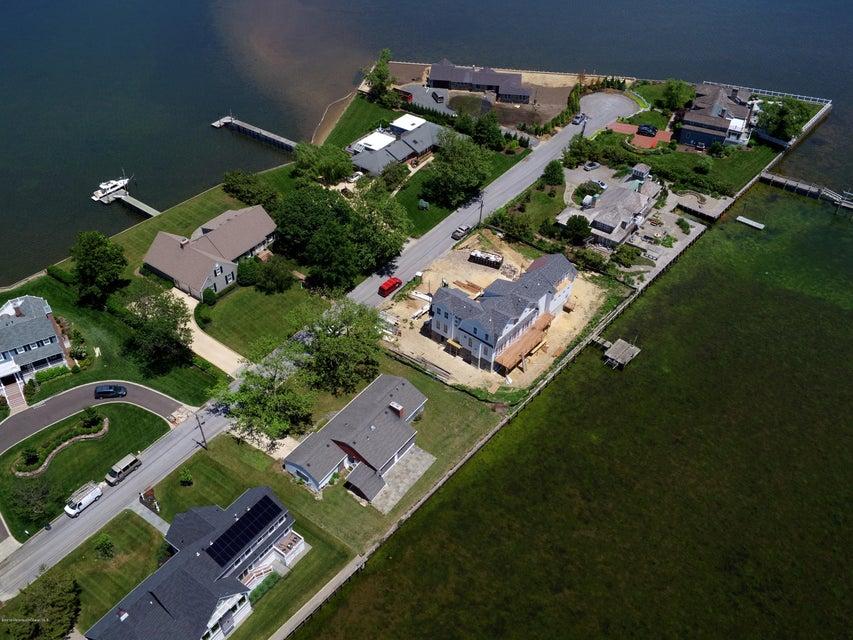 独户住宅 为 销售 在 688 Little Silver Point Road 小银镇, 07739 美国