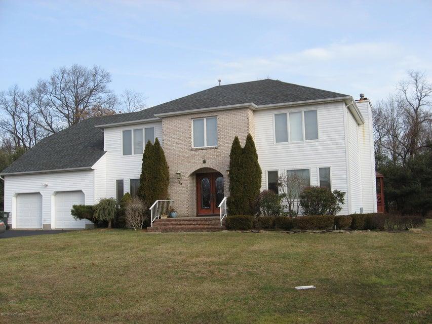 独户住宅 为 销售 在 16 Musket Lane 伊顿敦, 07724 美国