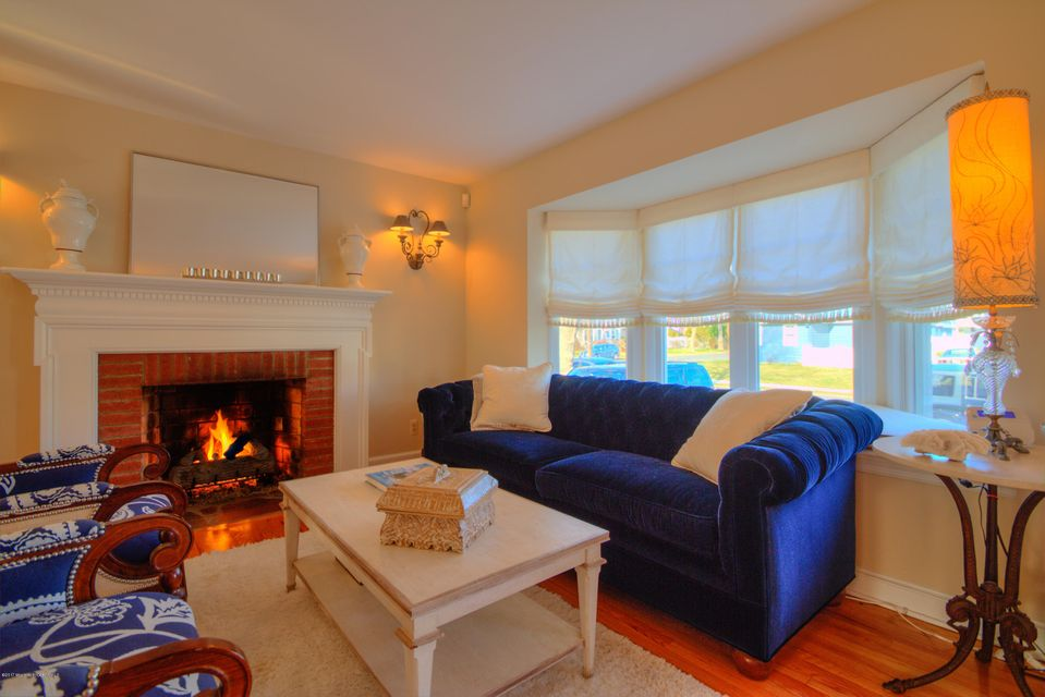 Additional photo for property listing at 289 Euclid Avenue  Manasquan, New Jersey 08736 États-Unis